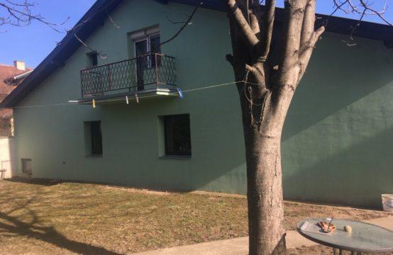 Prizemna kuća sa potkrovljem
