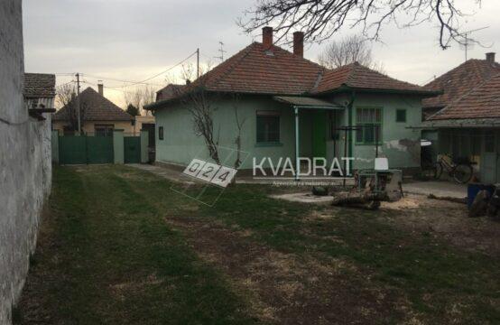 Novo selo, Dve kuće na placu!!!
