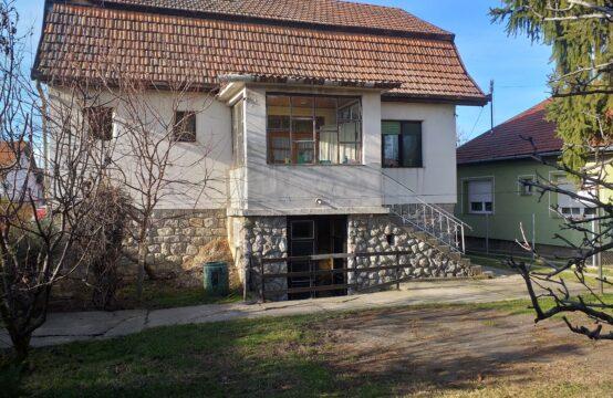 Mali Bajmok, Prizemna samostalna kuća sa potkrovljem i suterenom!!