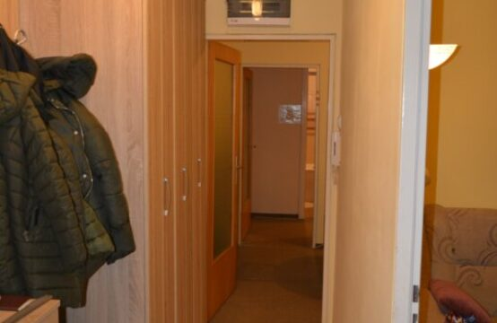 Prozivka, dvosoban stan na četvrtom spratu!!!