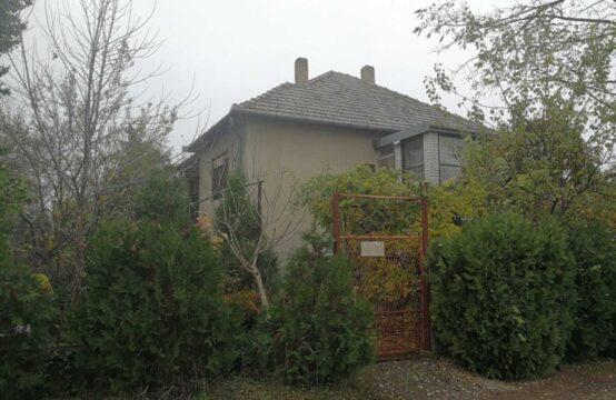Palić, prizemna samostalna kuća sa suterenom!!!