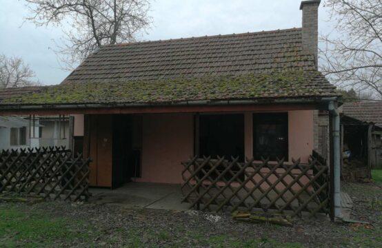 Makova Sedmica, dve kuće na jednom placu!!!