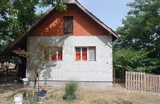 Kelebija, prizemna samostalna kuća !