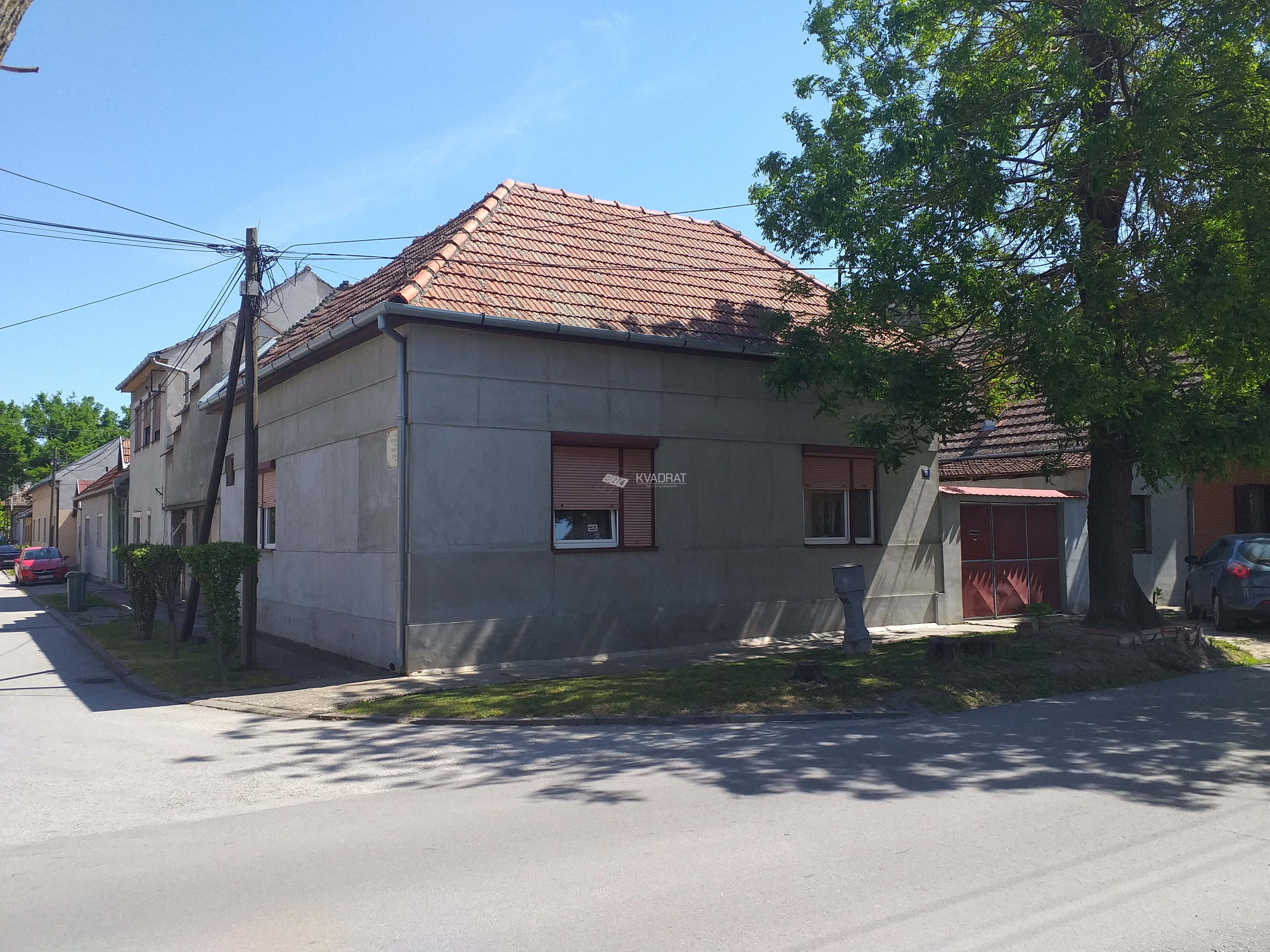 Širi centar, prizemna samostalna kuća!!!