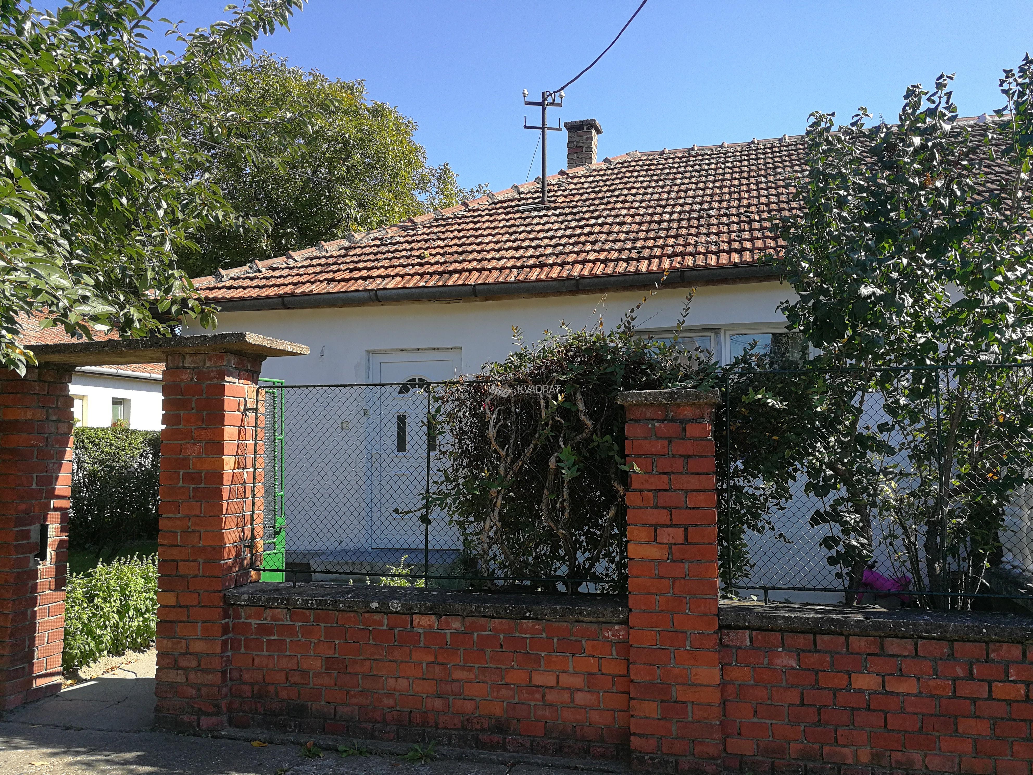 Mali Radanovac, dvojna kuća!!!