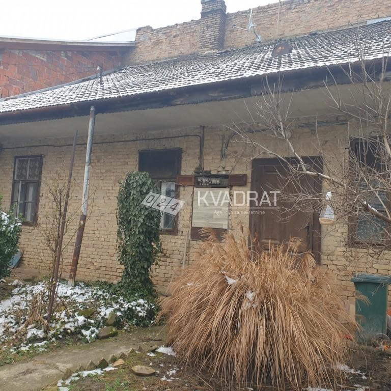 Centar III, Kuća sa zajedničkim dvorištem!
