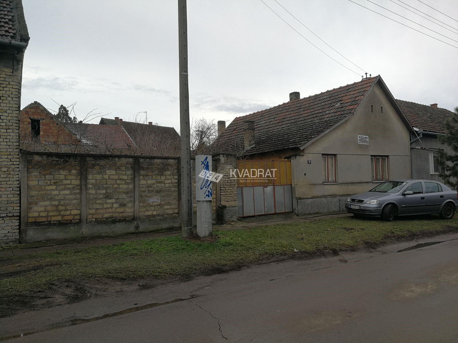 Gat, prizemna samostalna kuća za rušenje!!!