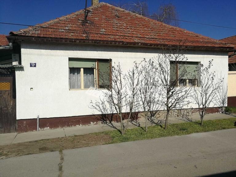 Centar 3, prizemna samostalna kuća!!!!