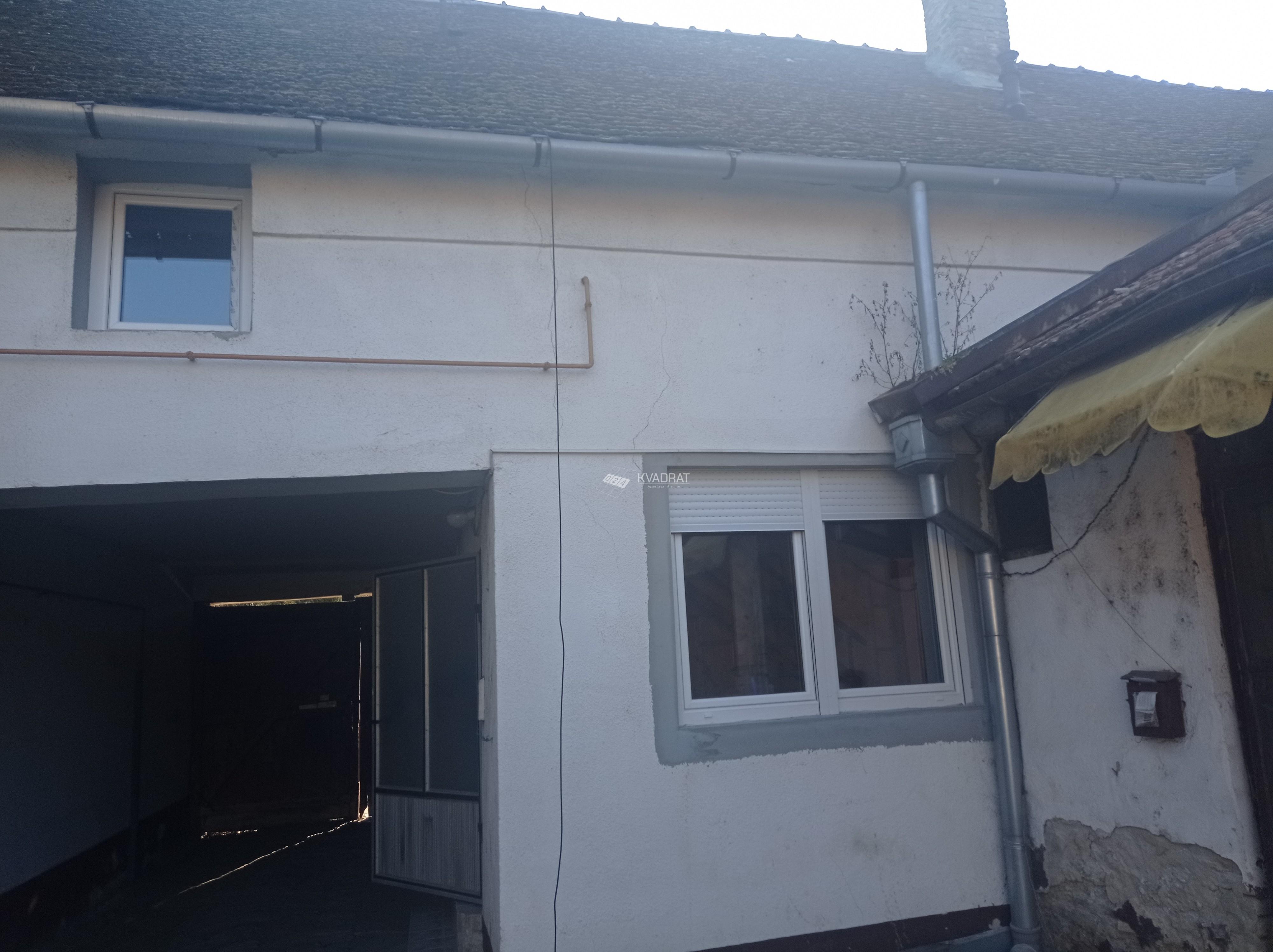 Novo Selo, kuća sa zajedničkim dvorištem!
