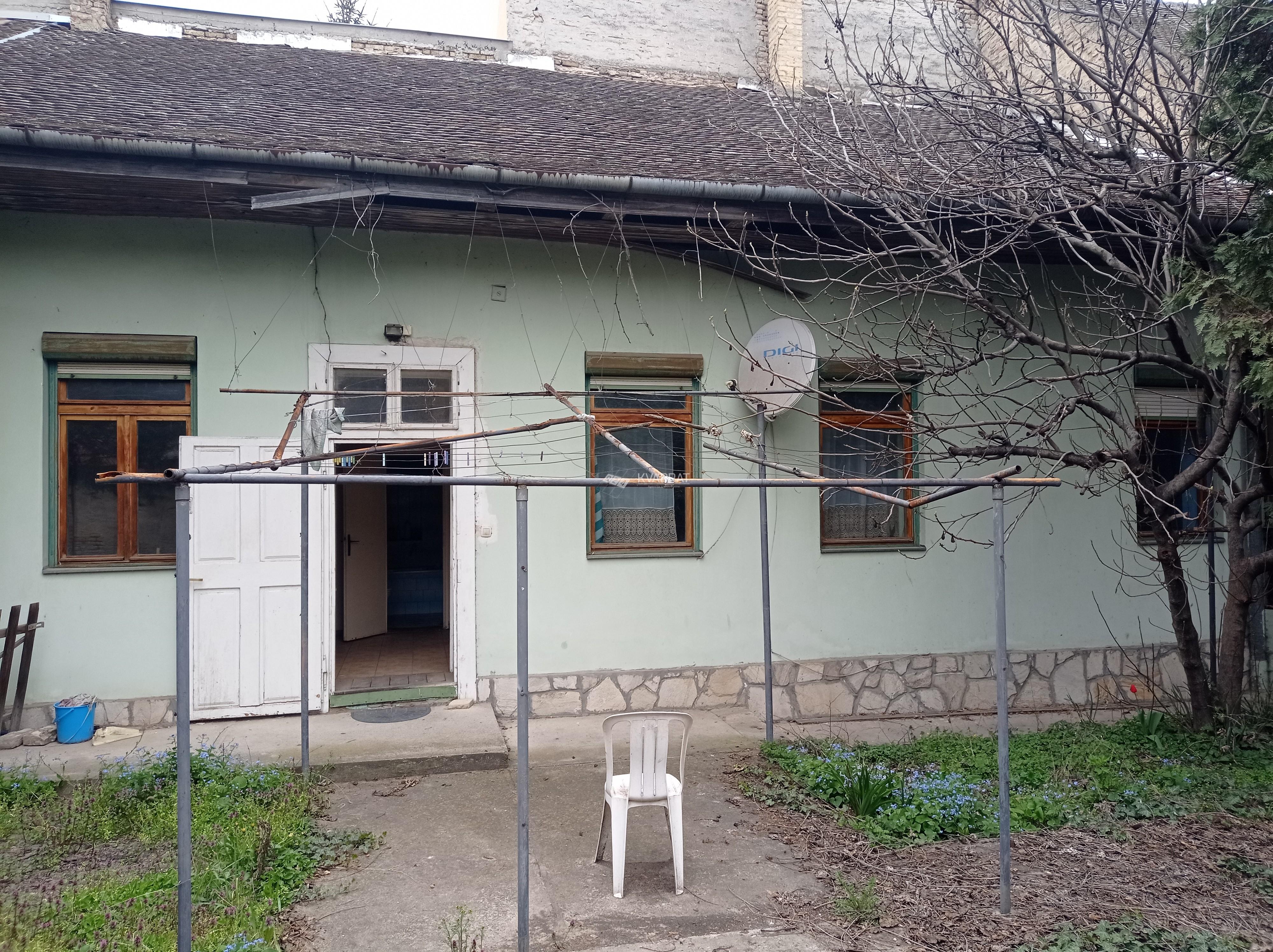 Radijalac, kuća sa zajedničkim dvorištem!