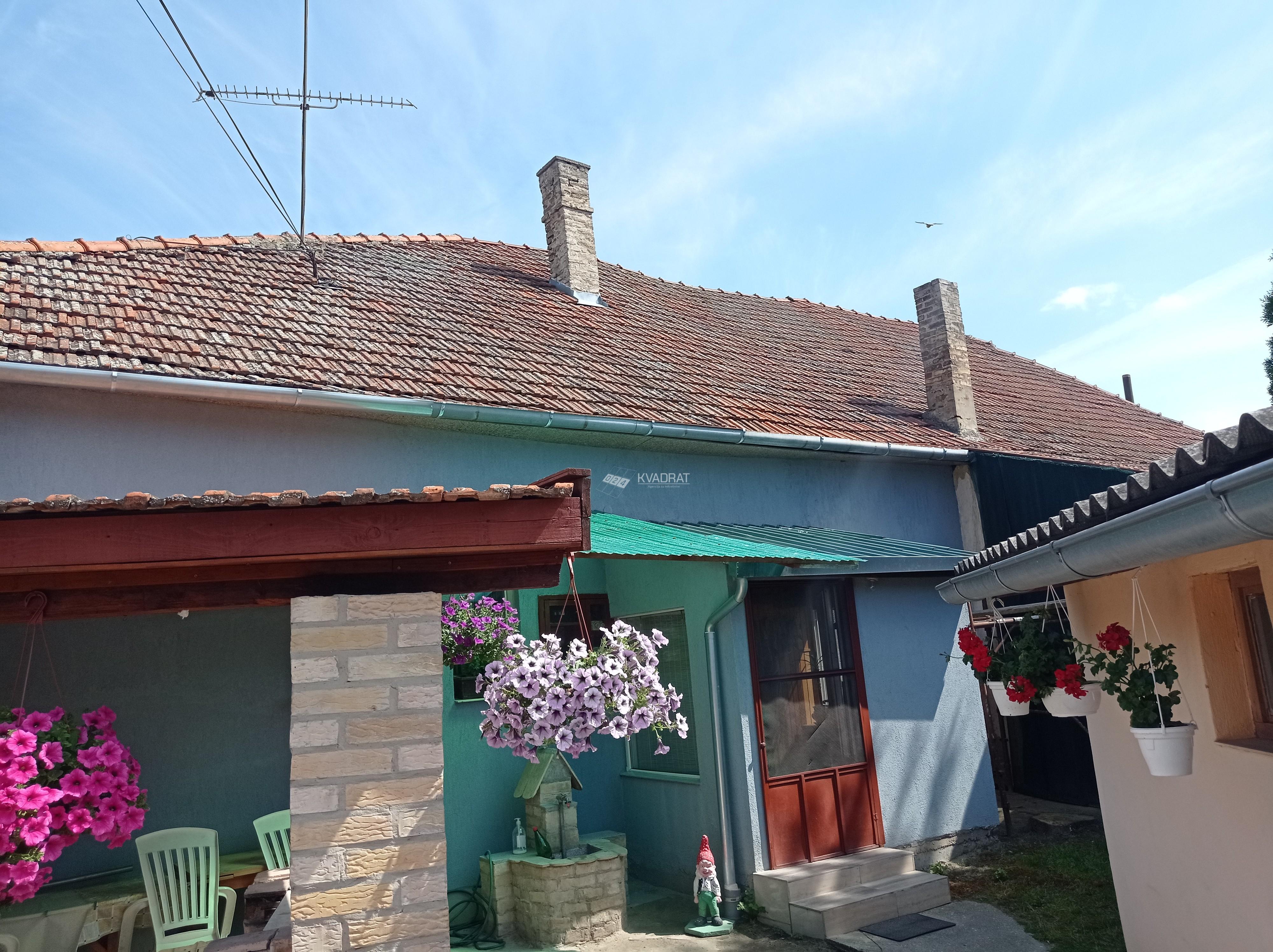 Železničko naselje, prizemna dvojna kuća!