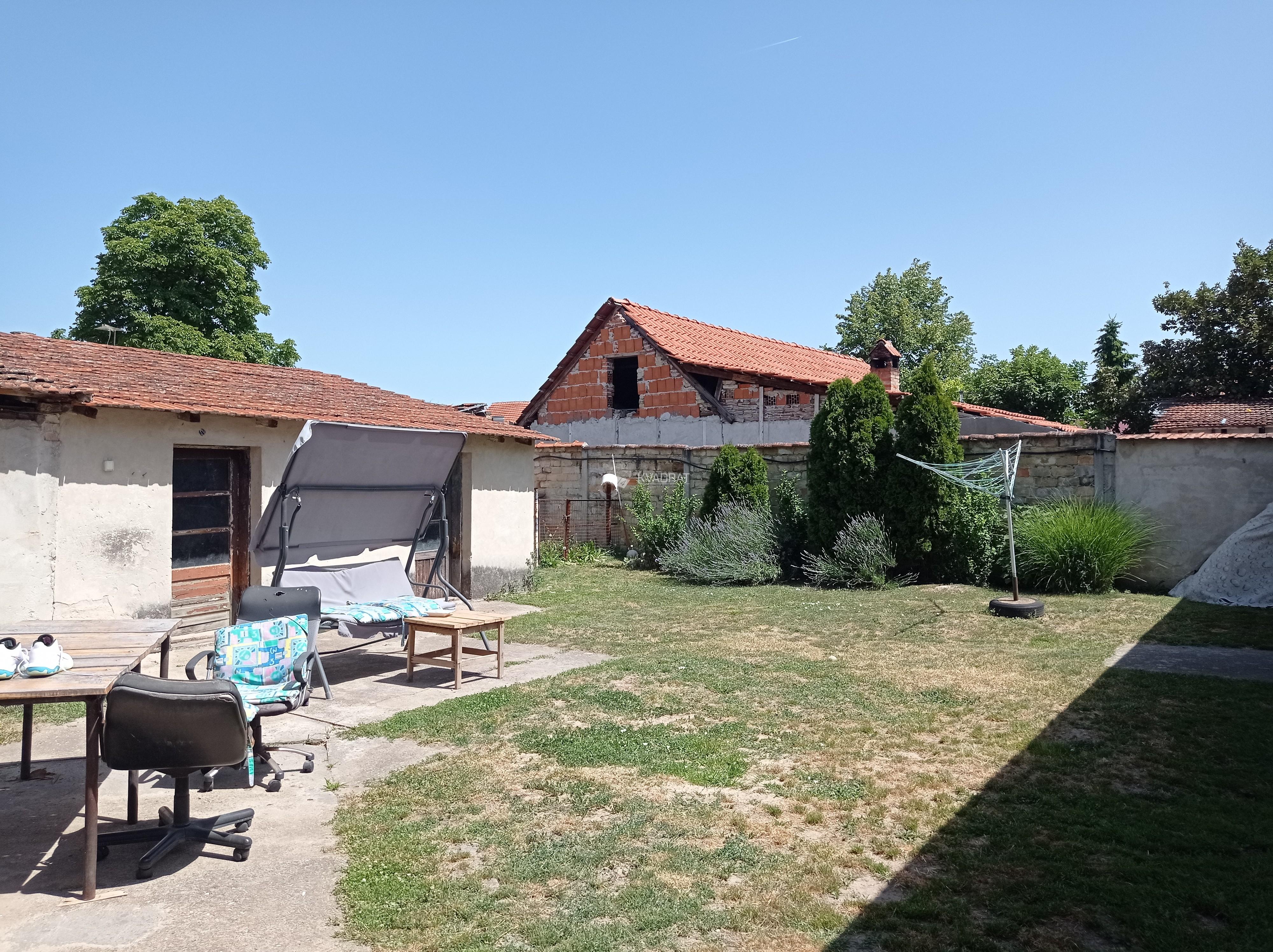 Novo selo, prizemna samostalna kuća!
